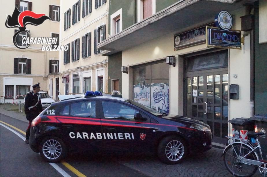 MERANO. UBRIACO SI SCAGLIA CONTRO I CARABINIERI, ARRESTATO - Radio ...