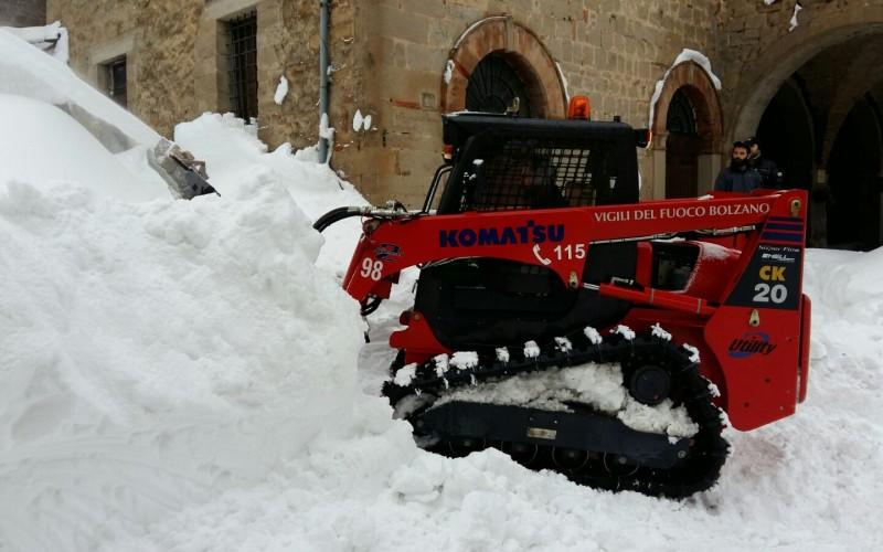 EMERGENZA NEVE IN CENTRO ITALIA. PROTEZIONE CIVILE ALTOATESINA AL LAVORO