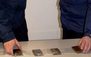 20170327 i carabinieri di merano con la droga sequestrata