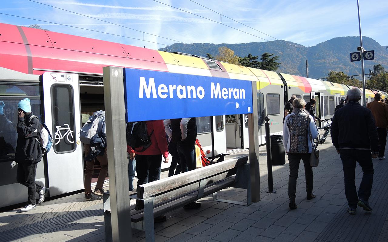 Stazione Merano Treno Treni