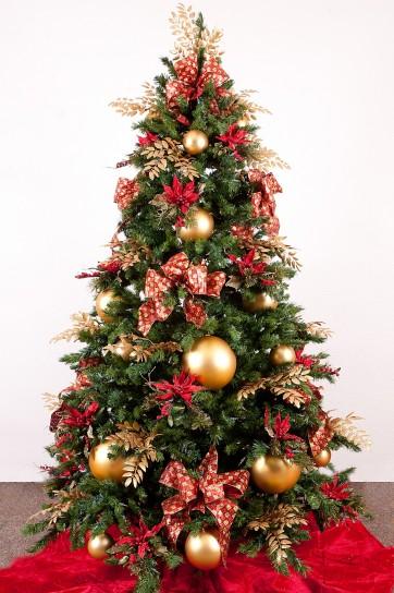 albero_di_natale_con_palle_doro