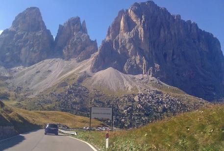 Passo Sella, valico alpino delle Dolomiti
