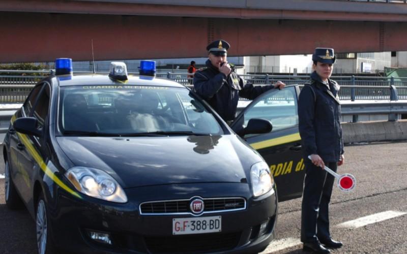 AUTOMOBILISTA FERMATO A VIPITENO CON 95MILA EURO