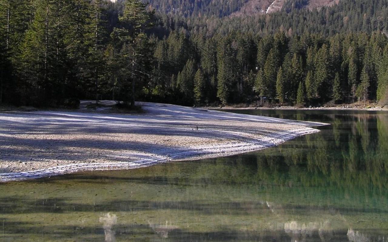 Lago-di-Tovel-primavera-foto-Giuseppe-Alberti_imagefullwide
