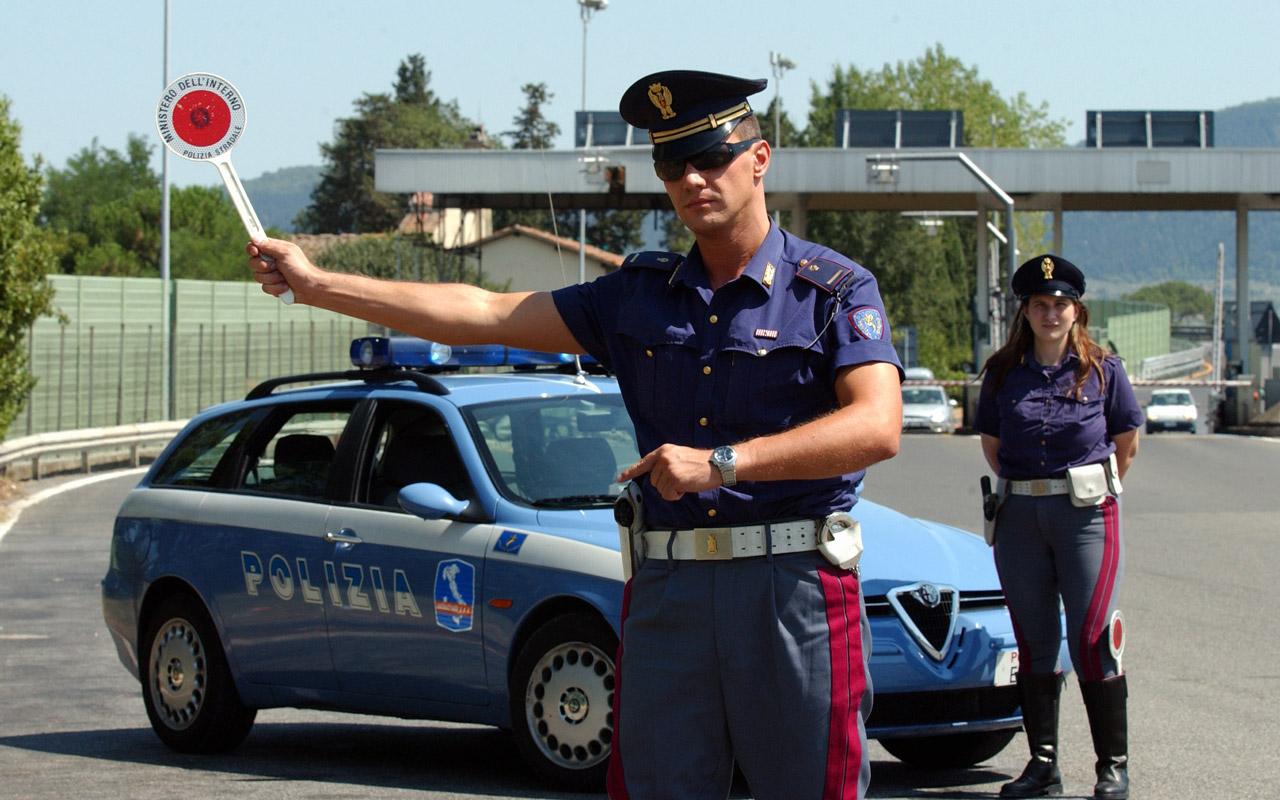 Posto-di-blocco-polizia-2