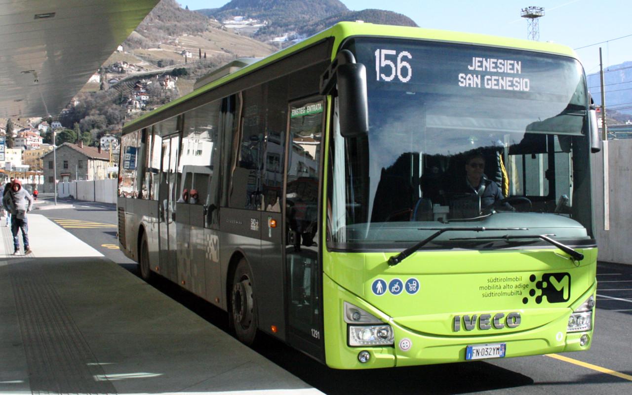 Stazione Bus Bolzano Autobus SAD 1 Corriera Corriere Autocorriere