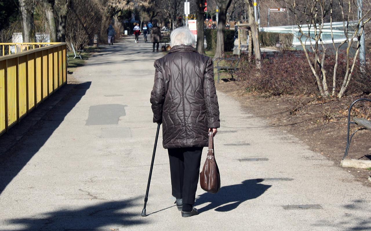 anziani anziana