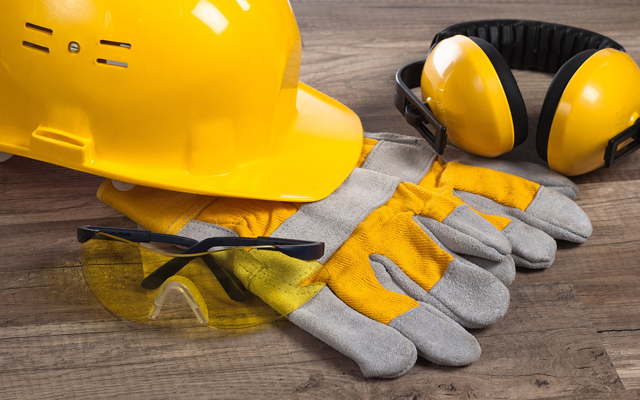 sicurezza lavoro infortunio casco