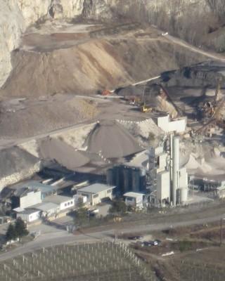 Foto aerea impianto Gruppo Adige Bitumi