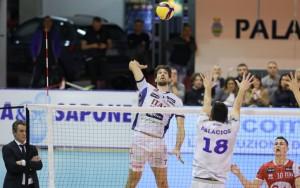 Nella foto di Paola Libralato Vettori in attacco