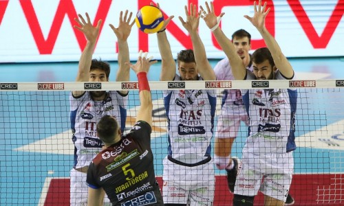 VOLLEY, CONTRO CIVITANOVA L'ITAS SI ARRENDE AL TIE BREAK