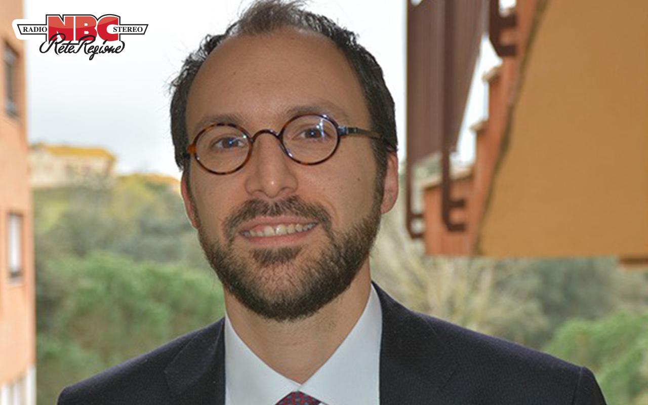Giovanni Farese modello foto con logo